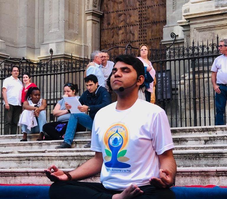 La escuela Prana Yoga en colaboración con el centro City Yoga ofrecen una clase magistral con el Gurú Ji Manoj lunar en Madrid